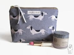 Sausage Dog Makeup Bag, Dachshund Make Up Bag, Wiener Dog Dachshund Gifts, Dachshund Puppies, Dachshund Love, Weiner Dogs, Dog Makeup, Makeup Bags, Beautiful Handmade Cards, Women's Accessories, Your Dog