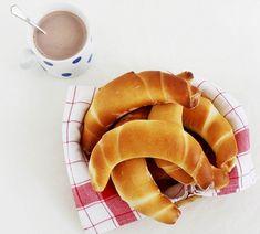 Forrás: Kard Éva Hot Dog Buns, Hot Dogs, Snack Recipes, Snacks, Naan, Chips, Favorite Recipes, Breakfast, Ethnic Recipes
