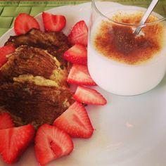 Banana pancakes, strawberries & yoghurt with cinnamon