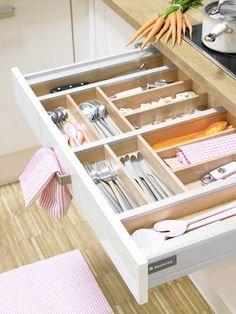arquiteturadoimóvel: Cozinha com detalhes em rosa e laranja...uma combinação cheia de vida!