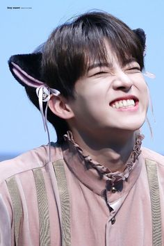 every day i look at a picture of Subin's cheesy smile because it brings so much joy to my heart and it's one of the most beautiful things to me. Victon Kpop, Kpop Boy, Cheesy Smile, Kpop Gifs, Gun Gale Online, Alice, 12 November, Smile Because, Boy Groups
