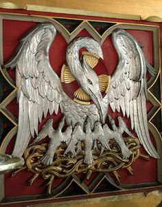 Chancel -reredos designed by James Rogers of Oxford and erected 1906 : detail - Pelican in its Piety Pelican Tattoo, Pelican Art, Altar, Dragons, Carlin, Landsknecht, Catholic Art, Freemasonry, Jesus Cristo