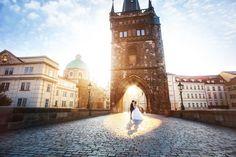 pre wedding photography Prague - Charles Bridge - Bride and Groom