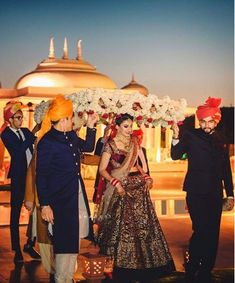 new phoolon ki chadar ideas for a perfect bridal entry Wedding Stage, Wedding Goals, Wedding Bride, Dream Wedding, Wedding Dresses, Big Fat Indian Wedding, Indian Bridal, Bride Entry, Indian Wedding Decorations
