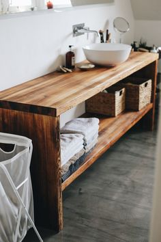 Wooden Bathroom Vanity, Bathroom Furniture, Bathroom Inspiration, Bathroom Ideas, Wooden Desk, Wood Slab, Ikea, Entryway, Sink