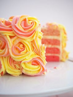 Ombre Pink Lemonade Cake iced with pink and yellow rose swirls Pink Lemonade Frosting, Pink Lemonade Cookies, Köstliche Desserts, Delicious Desserts, Cake Cookies, Cupcake Cakes, Cake Recipes, Dessert Recipes, Sweet Recipes