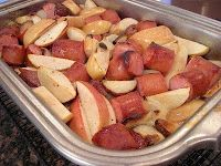 Roast Kielbasa Supper..not sure about the sliced apple..but I'm going to roast my turkey kielbasa with potatoes! yum!