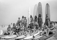 A classic surf photo collection of vintage surfer girls, from world champs to sixties sirens. Vintage Surfing, Surf Vintage, Vintage Soul, Retro Surf, Vintage Hawaii, Surfer Boys, Soul Surfer, Surf Mar, Sydney Beaches