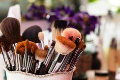 Tipos de brocha maquillaje: descubre como usarlas correctamente.