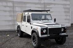 A beautiful Land Rover Defender. #4x4 #off-road #defender