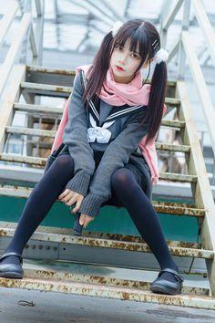 Best 11 Kazuhiro Sakka's media content and analytics – SkillOfKing. Japan School Uniform, Cute School Uniforms, School Girl Japan, Japan Girl, Asian Cute, Cute Asian Girls, Cute Girls, Female Pose Reference, Pose Reference Photo