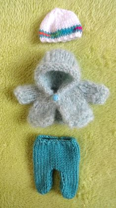 """Hand Knitted Dolls Clothes for 8"""" OOAK Doll (#252)"""