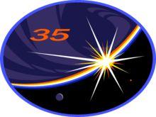 L'Expédition 35 est la trente-cinquième mission de longue-durée à la Station spatiale internationale. L'expédition commence en mars 2013 lorsque l'équipe de l'Expédition 34 quitte la Station spatiale internationale. Cette expédition marque une étape importante pour le Canada puisque le Colonel Chris Hadfield, membre de l'Agence spatiale canadienne, est aux commandes de la station.  (Source: Wikipédia).