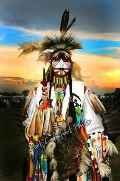 Dancer in traditional regalia at a Saskatchewan First Nations pow wow.pinterest.com