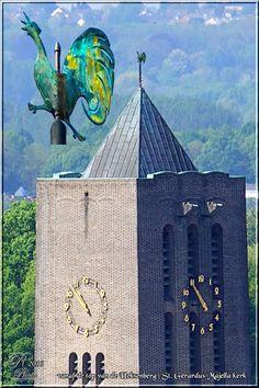 Toren van de kerk van de Heksenberg