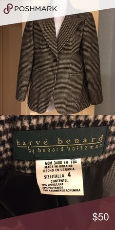 😍 Stunning Cashmere Blend Blazer You will look amazing in this cream and black houndstooth blazer. It is one of the most beautiful pieces I have seen. I wish it fit me. It is very soft and classic. Can be dressed up or down. You will want this in your wardrobe! Harve Benard Jackets & Coats Capes