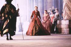 http://www.costumersguide.com/elizabeth/coat1.jpg