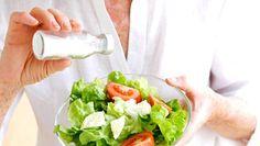Lisäätkö suolatujauksen jokaisen ateriaan, koska ei maistu miltään? Se on merkki siitä, että syöt liikaa suolaa.