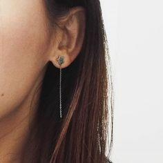 Les boucles Étoile avec chaîne pendante sont à retrouver sur notre e-shop www.oh-myshop.com 😉 Bon week-end à tous ! /// Our Star earrings with a dangling chain can be found in our e-shop www.oh-myshop.com 😉 Enjoy your weekend !  Ref : BO553E (link : https://www.oh-myshop.com/boutique/bo553e-boucles-doreilles-etoile-et-fine-chaine-pendante-acier-argente-mode-fantaisie/)