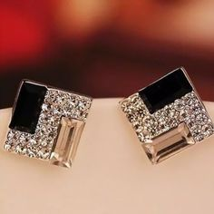 NWT LUXURY EARRINGS Metal: alloy and rhinestone. Nickel free and lead free. Size: 0.54inches by 0.54 inches. Beautiful studs. Perfect addition to any outfit. ❌ trade ✅ PayPal ✅ bundle Boutique d&f Jewelry Earrings