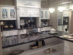 Cucina lube mod pantheon showroom mb arredamenti for Arredamenti provenzali francesi
