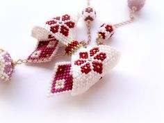 seed beaded jewelry | ... Seed Bead Pretty Bow Necklace. Gold Chain Necklace. Romantic Jewelry