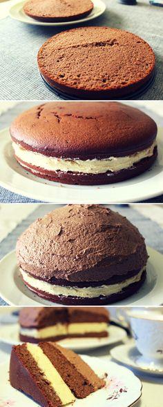 Bezpšeničný, sváteční, čokoládový dort z mandlové mouky s pařížskou šlehačkou. Foto recept zde..