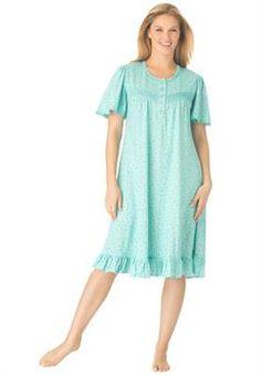 Plus Size Short knit rosebud gown Women's Plus Size Shorts, Plus Size Outfits, Trendy Plus Size, Plus Size Women, Plus Size Sleepwear, Muumuu, Nightgowns For Women, Night Gown, Frocks