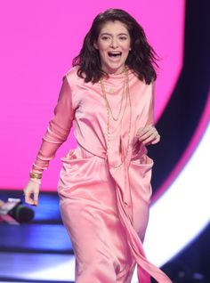 #Lorde Lorde Performs Live at MMVA in Toronto, Canada 06/18/2017 | Celebrity Uncensored! Read more: http://celxxx.com/2017/06/lorde-performs-live-at-mmva-in-toronto-canada-06182017/