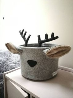 Felt deer basket inspired nordic Christmas Bebek Odası – Home Decoration Nursery Storage Baskets, Toy Storage, Nordic Christmas, Christmas Crafts, Christmas Tables, Modern Christmas, Christmas Holidays, Christmas Tree, Nursery Themes