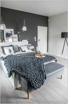 Stil modern și cărămidă expusă într-o casă din Polonia / Jurnal de design interior European Style Homes, European Home Decor, Bedroom Decorating Tips, Interior Decorating, Bedroom Ideas, Gray Bedroom, Home Bedroom, Bedrooms, Modern Home Interior Design