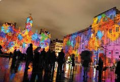 Very famous day in Lyon, every december, the city is illuminated for the Festival of Lights. Lyon France, Ville France, Famous Day, Festivals Around The World, French Alps, Outdoor Sculpture, Green Landscape, Exhibition Space, Festival Lights