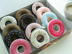 47 Felt Duncan Donut PDF Pattern-ithinksew.com