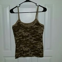 Desert digital cami nwot Brand new.  Took off the tags and washed it before I realized I had the wrong size Tops Camisoles