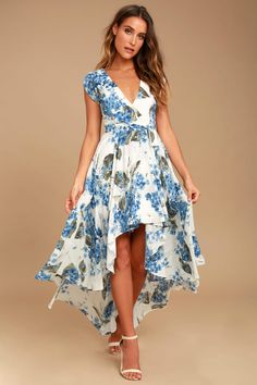 Take a jaunt through the gardens with the French Countryside White Floral Print High-Low Dress! Floral print high-low dress with a surplice bodice and cute cap sleeves. Casual Dresses For Women, Cute Dresses, Summer Dresses, Clothes For Women, Wrap Dresses, Outfit Summer, Trendy Dresses, Party Dresses, Women's Dresses