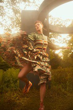 Ulla Johnson Resort 2022 Collection - Vogue Fashion News, Fashion Beauty, Fashion Show, Emma Summerton, Taylor Tomasi, Chanel Resort, Christian Wijnants, Spring Summer Trends, Ulla Johnson