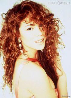Beauté : Le pire et le meilleur de Mariah Carey      Le top première apparition :  Mariah Carey et sa crinière frisée. So 90s.