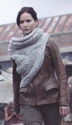 There were so many wonderful costumes in #CatchingFire, but I was so impressed with this knitted scarf/vest/shawl that Katniss wore in the first scene! I've never seen anything like it. I'd love to have one made!