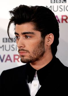 well slap my face and call me a chicken nugget. zayn malik is so attractive. his parents did well..