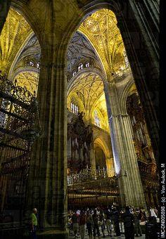 Interior  Catedral de Sevilla,  Spain