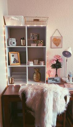 Ideas College Dorm Desk Organization Layout For 2019 Dorm Desk Decor, Dorm Desk Organization, Dorm Room Desk, Room Decor, Dorm Rooms, Dorm Themes, Dorm Decorations, College Dorm Desk, College List