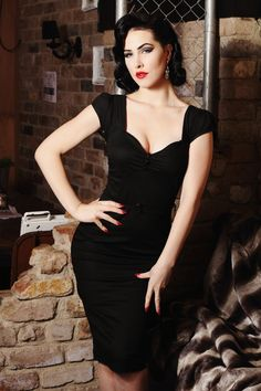 Pin-up rockabilly black wiggle dress Looks Rockabilly, Rockabilly Fashion, Retro Fashion, Vintage Fashion, Rockabilly Girls, Rockabilly Dresses, Goth Girls, Gothic Fashion, Womens Fashion