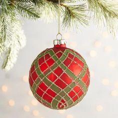 Tartan Christmas, Christmas Baubles, Christmas Holidays, Christmas Decorations, Holiday Decor, Holiday Ideas, Christmas Ideas, Ornament Hooks, Ball Ornaments
