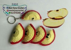 56 Best Ideas for crochet keychain fruit Crochet Apple, Crochet Fruit, Crochet Food, Crochet Yarn, Crochet Ideas, Crochet Pillow Patterns Free, Crochet Beanie Pattern, Crochet Stitches Patterns, Crochet Motif
