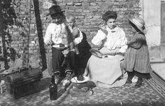 1905 Buenos Aires, Inmigrantes italianos recién desembarcados