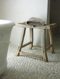 ClothesPeggS: Pebbles and stones in the bathroom
