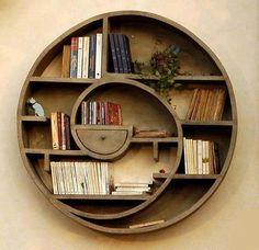 Libreria circolare aspirale in legno oggetti design