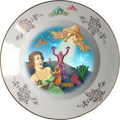 Plato hondo, antiguo de porcelana Española 23cm Ø con motivos dorados  y aplicación de nuestra imagen Screaming. Preferentemente para uso decorativo, no apto para lavavajillas y microondas.