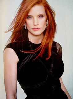 Jessica Chastain, the inspiration for Claire. She is described in the book as having red hair and lots of personality. I envision Jessica playing her. A blue eyed redhead. Jessica Chastain, Beautiful Redhead, Beautiful People, Kristen Ashley, Actress Jessica, Beauty And Fashion, Hottest Redheads, Tips Belleza, Mode Outfits