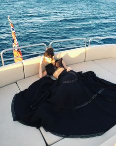 Pin for Later: Diese Promi-Fotos machen Lust auf Sommer, Sonne, Strand und Meer Kendall Jenner